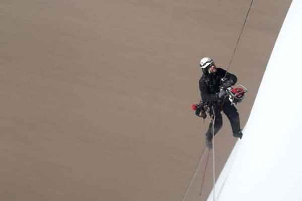 Inspection in Germany - climbing-min